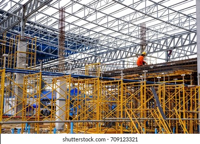 Large factories were constructed roof using steel as the main material.scaffolding and  steel bar.