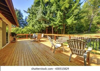 Imágenes Fotos De Stock Y Vectores Sobre Wood House Deck