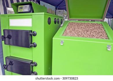 Large furnace for pellets, renewable wooden material