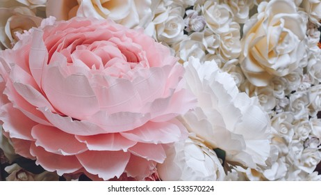 Large Giant bendable Paper Flowers. Big pink roses made from paper. DIY big flower made from corrugated and EVA Foam Paper.