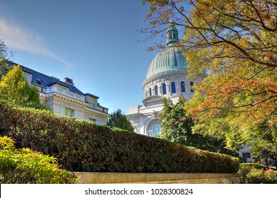 The large green dome of the United States Naval Academy chapel adorns the autumn skyline in Annapolis, Maryland. It is a National Historic Landmark.