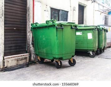 A large green recycling bin, Big green bin.