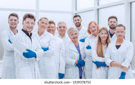 large group of medical researchers standing together