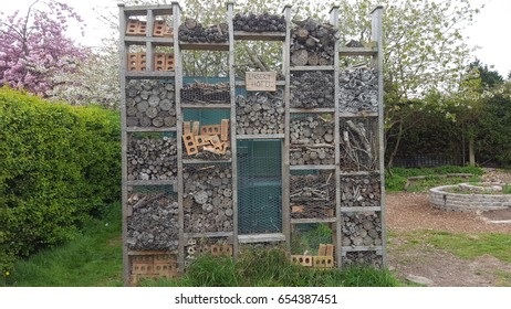 Large Insect Hotel Farm