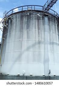 Large oil tank,gas tank,1000000 liters fuel tank,fuel tank,white oil tank