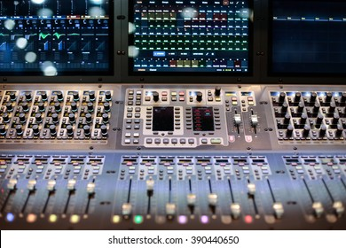 Large panel of the Hi-End stage controller with screens - closeup background