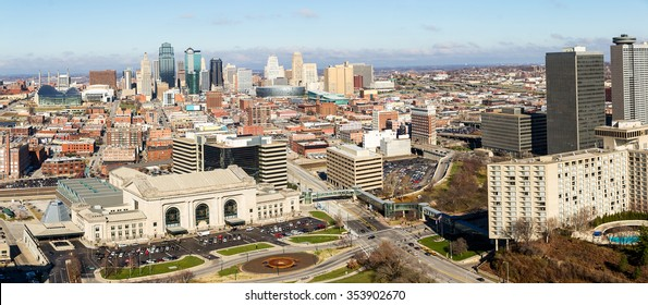 A large panoramic view of Kansas City, Missouri during the daytime