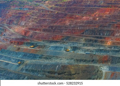 large quarry mining of iron ore