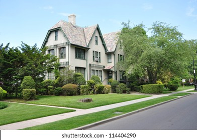 Large Victorian Home in Suburban Neighborhood