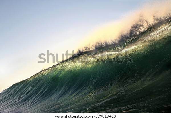 Large wave face