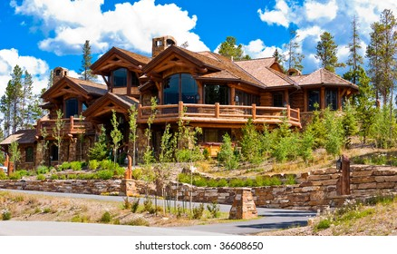 Large wood and stone home in Summit County, Colorado