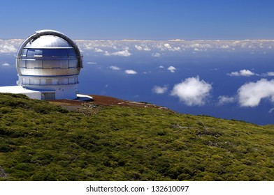 The largest astronomical observatory located in the northern hemisphere at the top of the La Palma island