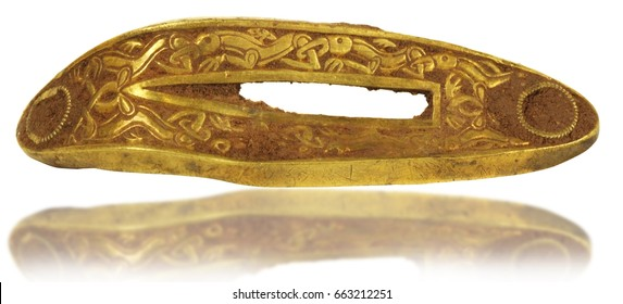 largest hoard of Anglo-Saxon gold ever found, Dagger Hilt