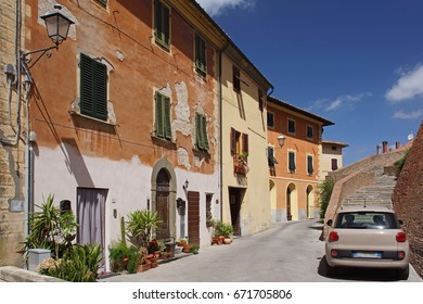 Lari - Medieval town in Tuscany / Province of Pisa