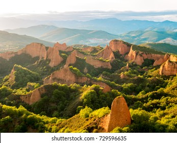 Las Medulas historic gold mining mountains near the town of Ponferrada in the province of Leon, Castile and Leon, Spain.View from Orellan viewpoint.