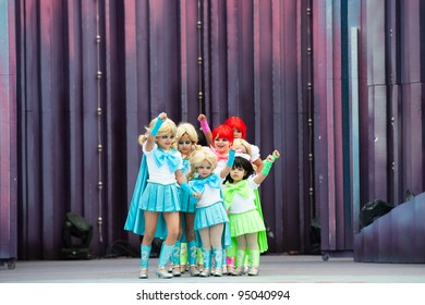 LAS PALMAS, SPAIN - FEBRUARY 12:Unidentified kids from Colegio Tauro Begona Padron Foncubierta, from Canary Islands, during The Children's Costume Competition on February 12, 2012 in Las Palmas,Spain