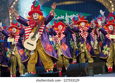 LAS PALMAS , SPAIN - FEBRUARY 5: Unidentified members from Los Jallaos Roniaos, from Canary Islands, performing during the Murgas Contest on February 5, 2013 in Las Palmas, Spain
