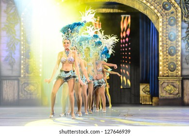 LAS PALMAS , SPAIN - FEBRUARY 8: Unidentified members from dance group Comparsa Los Lianceiros, from Canary Islands, during the Adult Dance Contest on February 8, 2013 in Las Palmas, Spain