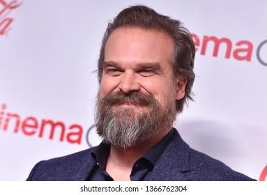 LAS VEGAS - APR 04:  David Harbour arrives for the CinemaCon 2019 - Big Screen Achievement Awards on April 04, 2019 in Las Vegas, NV