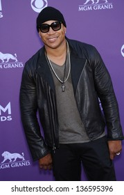 LAS VEGAS - APR 07:  LL Cool J arrives to the Academy of Country Music Awards 2013  on April 07, 2013 in Las Vegas, NV.