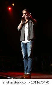LAS VEGAS - APR 1: Brett Young performs at The Joint on April 1, 2017 in Las Vegas, Nevada.