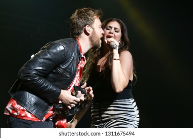 LAS VEGAS - APR 1: Charles Kelley (L) and Hillary Scott of Lady Antebellum perform at The Joint on April 1, 2017 in Las Vegas, Nevada.