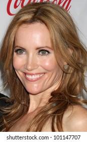LAS VEGAS - APR 26:  Leslie Mann arrives at the CinemaCon 2012 Talent Awards at Caesars Palace on April 26, 2012 in Las Vegas, NV