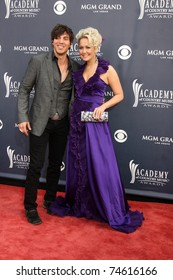 LAS VEGAS - APR 3:  Joshua Scott Jones and Meghan Linsey of Steel Magnolia arriving at the Academy of Country Music Awards 2011 at MGM Grand Garden Arena on April 3, 2011 in Las Vegas, NV.