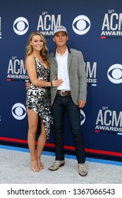 LAS VEGAS - APR 7:  Amber Bartlett, Granger Smith at the 54th Academy of Country Music Awards at the MGM Grand Garden Arena on April 7, 2019 in Las Vegas, NV