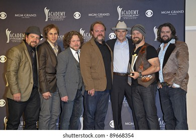 LAS VEGAS - APRIL 3 - The Zac Brown Band with James Taylor in the press room at the 46th Annual Academy of Country Music Awards in Las Vegas, Nevada on April 3, 2011.