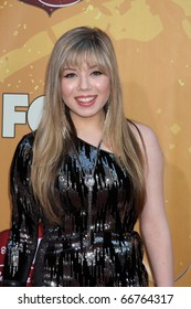 LAS VEGAS - DEC 6:  Jennette McCurdy arrives at the 2010 American Country Awards at MGM Grand Garden Arena on December 6, 2010 in Las Vegas, NV.