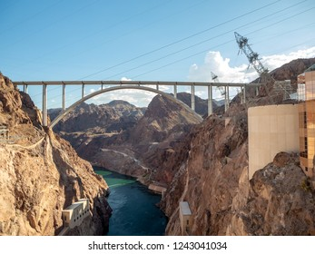 Las Vegas, Hoover Dam, Nevada, USA - Summer 2018 : [ Hoover Dam and Lake Meeads on Colorado River in Nevada Desert ]