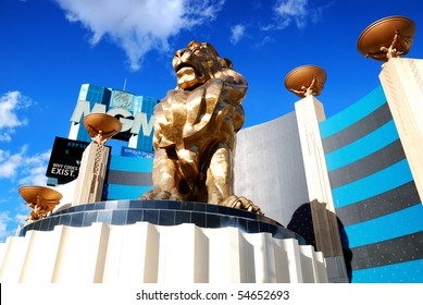 LAS VEGAS - MAR 4: MGM Grand Hotel, the second largest hotel in the world and second largest hotel resort complex in the United States, with lion statue on March 4, 2010 in Las Vegas, Nevada.