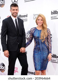 LAS VEGAS - MAY 18:  Shakira & Gerard Pique arrives to the Billboard Music Awards 2014  on May 18, 2014 in Las Vegas, NY
