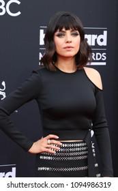 LAS VEGAS - MAY 20:  Mila Kunis at the 2018 Billboard Music Awards at MGM Grand Garden Arena on May 20, 2018 in Las Vegas, NV