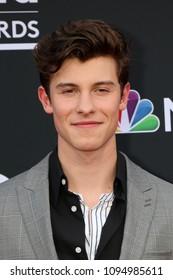 LAS VEGAS - MAY 20:  Shawn Mendes at the 2018 Billboard Music Awards at MGM Grand Garden Arena on May 20, 2018 in Las Vegas, NV