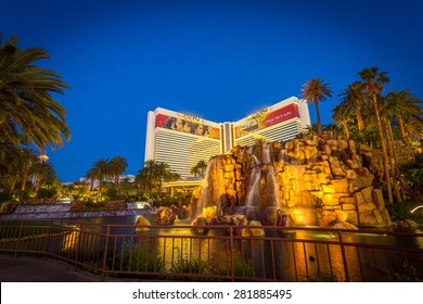 LAS VEGAS - MAY 24: The Mirage hotel and casino in Las Vegas on May 24, 2015. The Mirage opened in 1989 and has over 3,000 hotel rooms available.