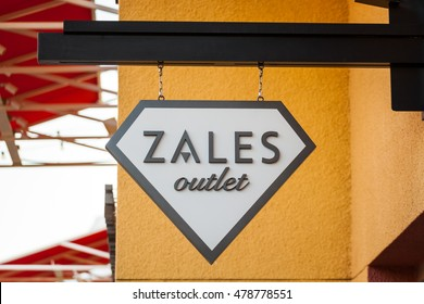 LAS VEGAS, NEVADA - August 22nd, 2016: Zales Jewelry Outlet Logo On Store Front Sign.