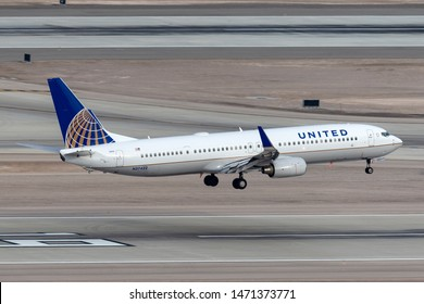 Las Vegas, Nevada, USA - May 5, 2013: United Airlines Boeing 737 aircraft on approach to land at McCarran International Airport in Las Vegas.