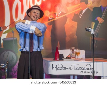 LAS VEGAS - OCT 23 : A waxwork of the Frank Sinatra at The Madame Tussauds museum in Las Vegas on October 23 2015 , The two-floor 30,000-square-foot museum has 100-plus wax replicas.