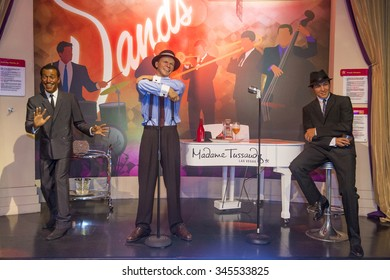 LAS VEGAS - OCT 23 : A waxwork of the Rat Pack at The Madame Tussauds museum in Las Vegas on October 23 2015 , The two-floor 30,000-square-foot museum has 100-plus wax replicas.
