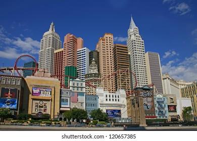 LAS VEGAS - SEP 4: New York-New York hotel casino creating the impressive New York City skyline with skyscraper towers and Statue of Liberty replica on September 4, 2012 in Las Vegas, Nevada.