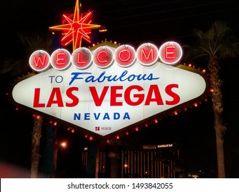 Las Vegas sign Look very coolin the nigth