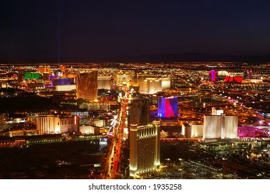 Las Vegas strip at night as seen from the north end.