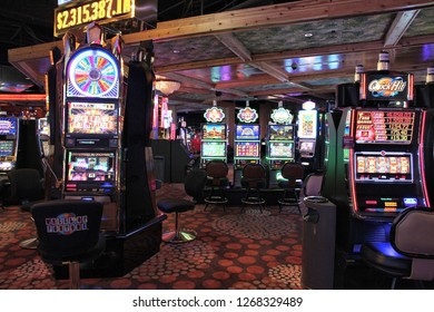 LAS VEGAS, USA - APRIL 13, 2014: Slot games at Hooters casino. There are 104 casinos in Las Vegas.