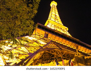 LAS VEGAS, USA - NOVEMBER 13 2016: Casino with thematic of France, represented by the Eiffel Tower of 165m