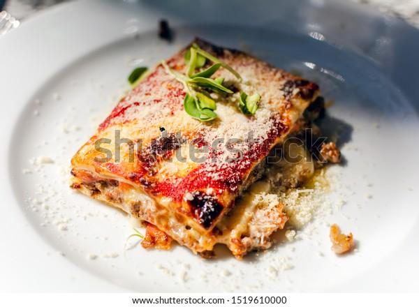 lasagna-beef-tomatoes-eggplant-powdered-