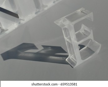 laser cutting letter made in plexyglass