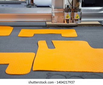 Laser cutting machine cutting car carpet mat and engine gasket
