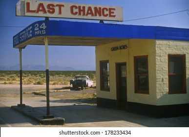 Last Chance full service gas station Route 395, CA